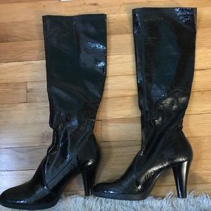 Leather Style Pull on Boots with Heel